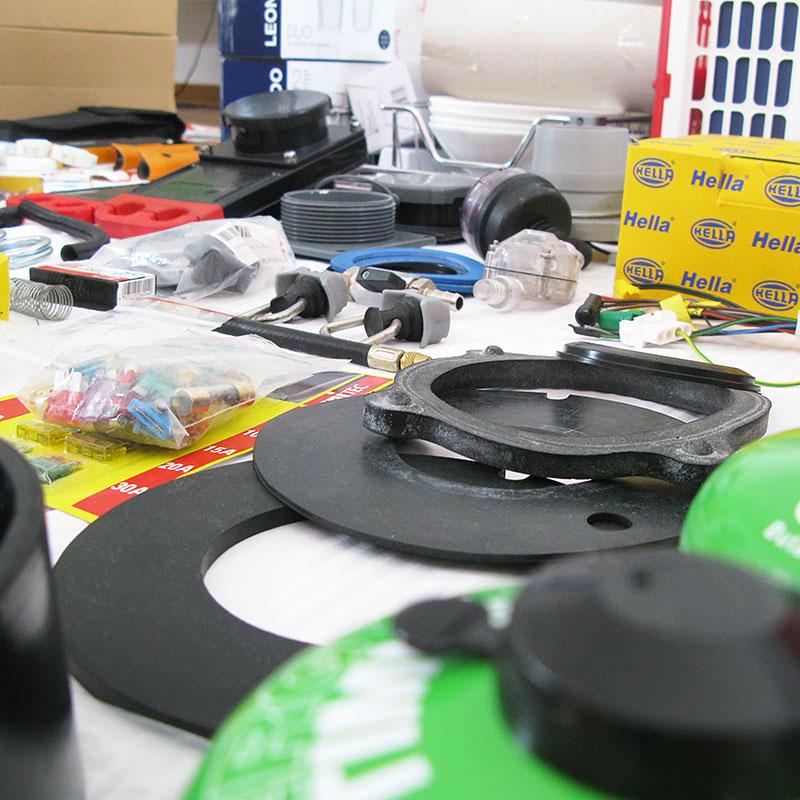 Material und Ersatzteile sortieren