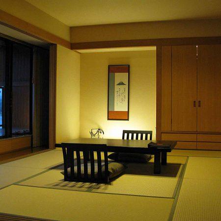 Schlichtes Tatamizimmer in einem Ryokan