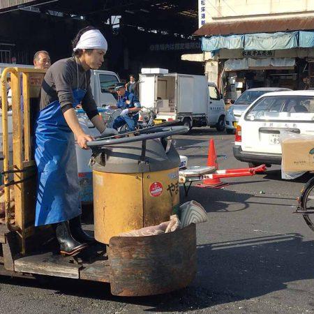 Fahrzeuge auf dem Tokio Tsukiji Market
