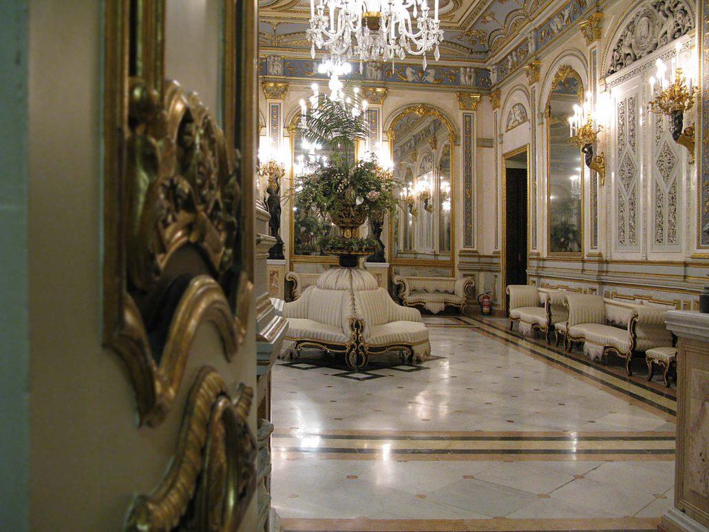 Spiegelsaal im Palacio del Marqués de Dos Aguas in Valencia