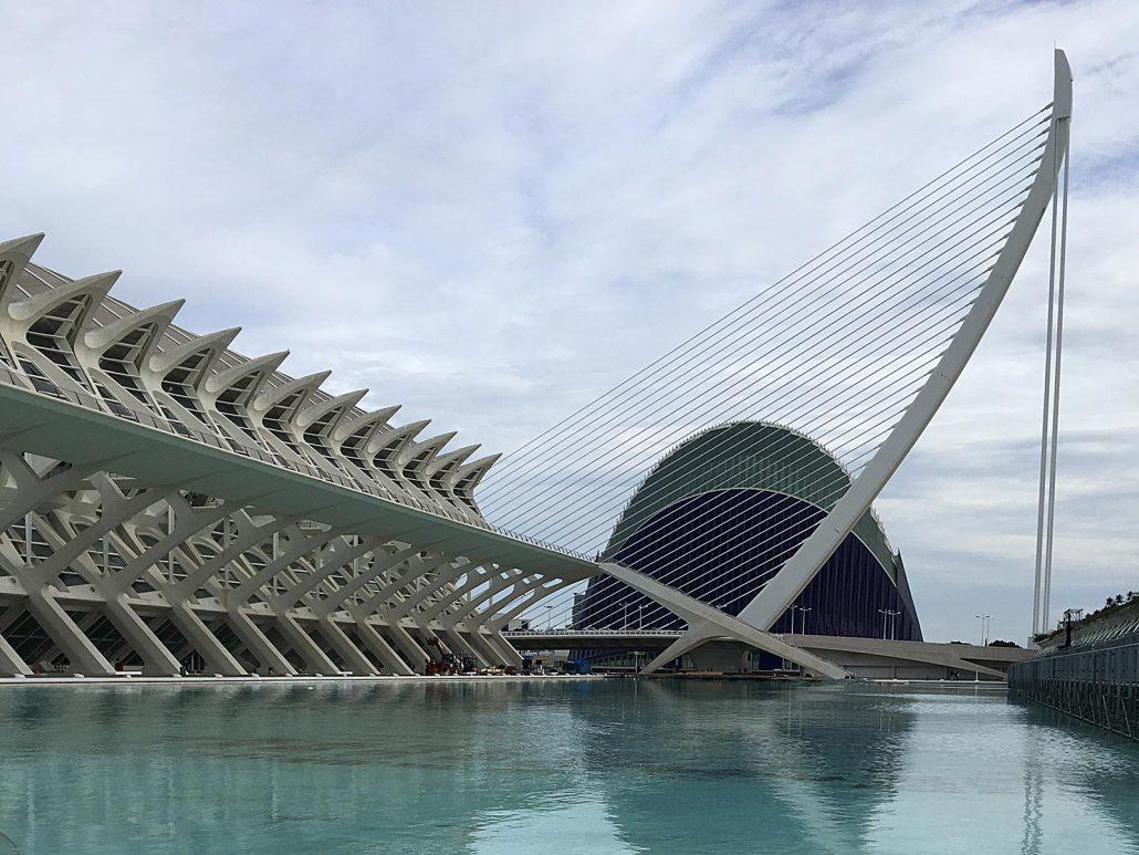 Gebäude- und Parkkomplex Ciutat de les Arts i les Ciències in Valencia, Spanien