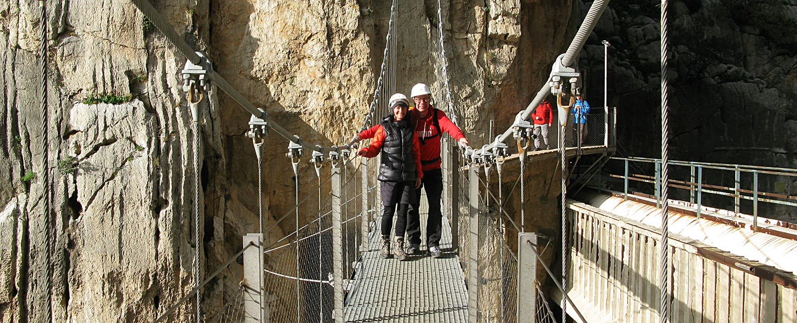 Petra and Win on the suspension bridge across Rio Guadalhorce