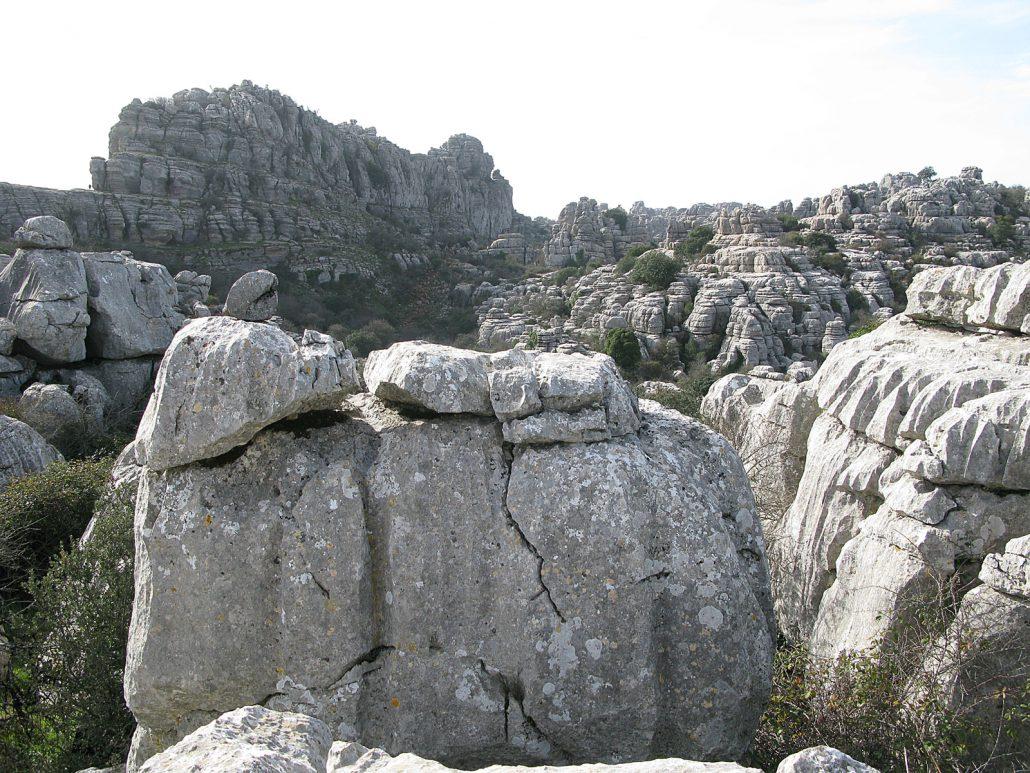 Gigantische Karstlandschaft des El Torcal bei Antequera in Andalusien