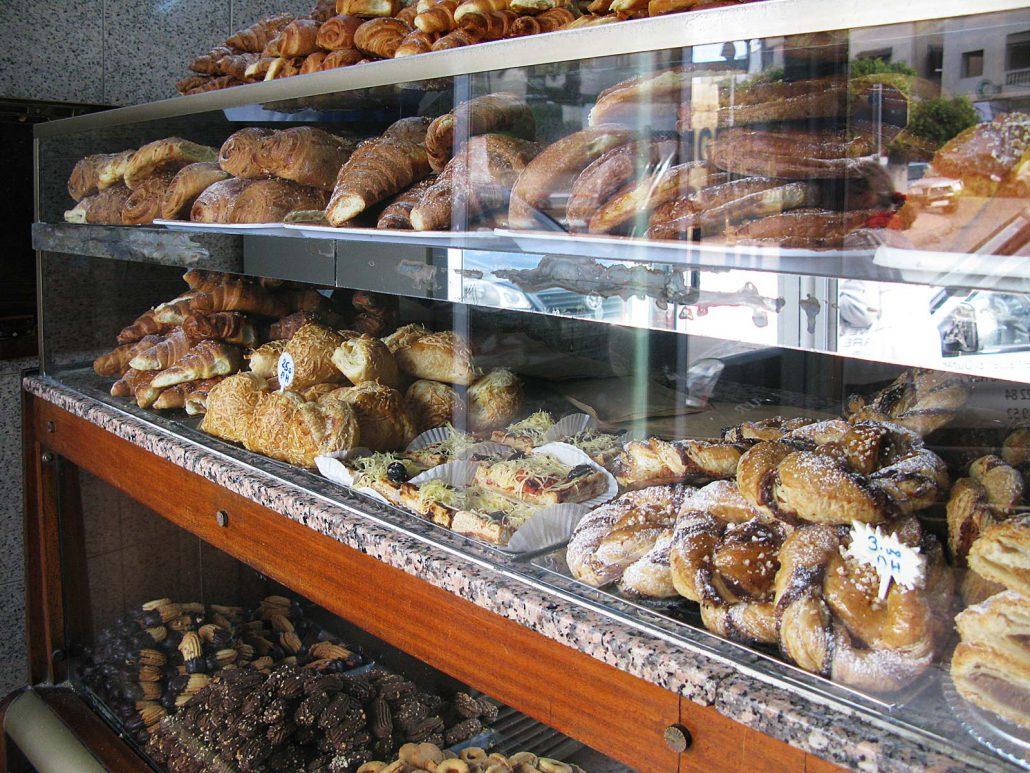 Bäckerei in Salé mit feinstem Gebäck und Brot
