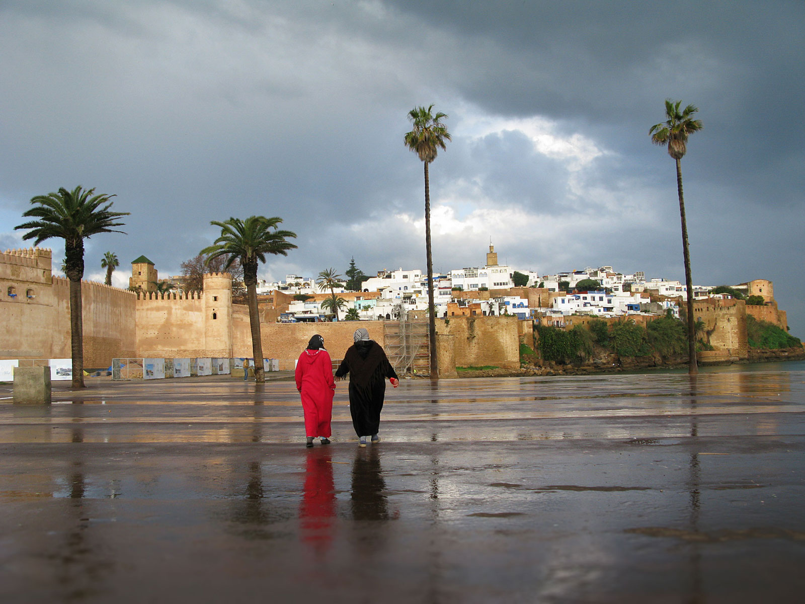 Two women on their way to the medina of Rabat