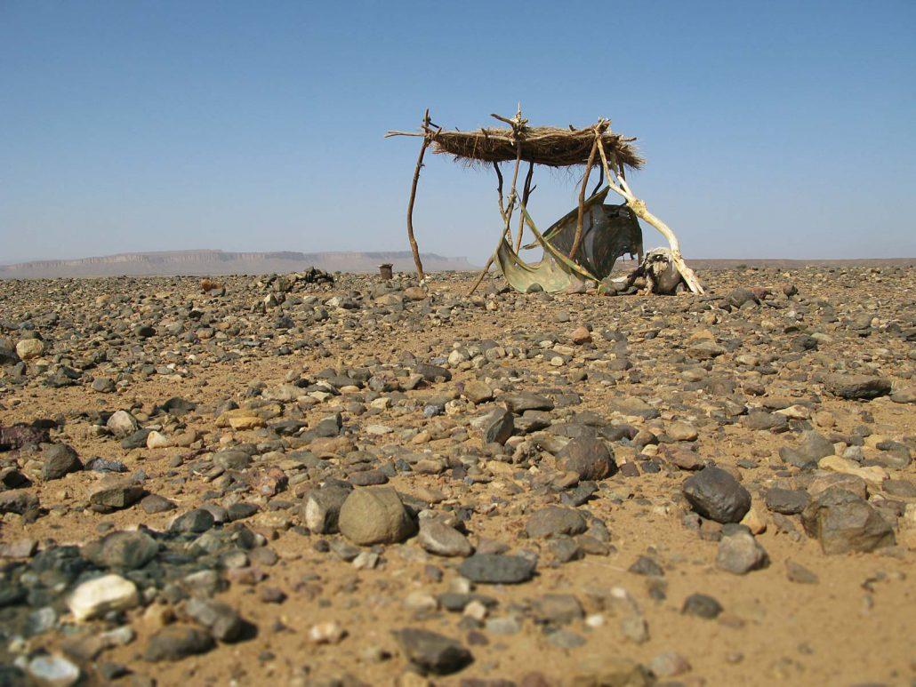 Schattenplatz in der Wüste Marokkos