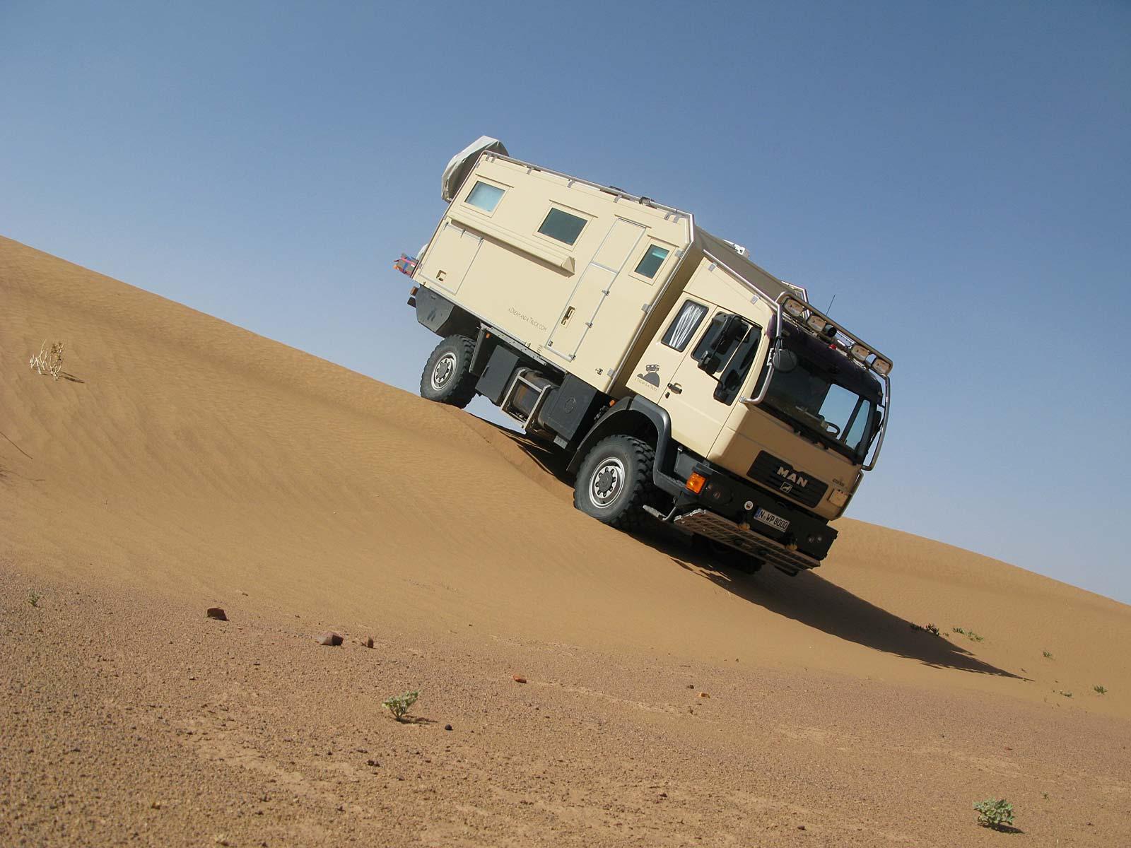 Fahrtraining in der Wüste mit dem Truck
