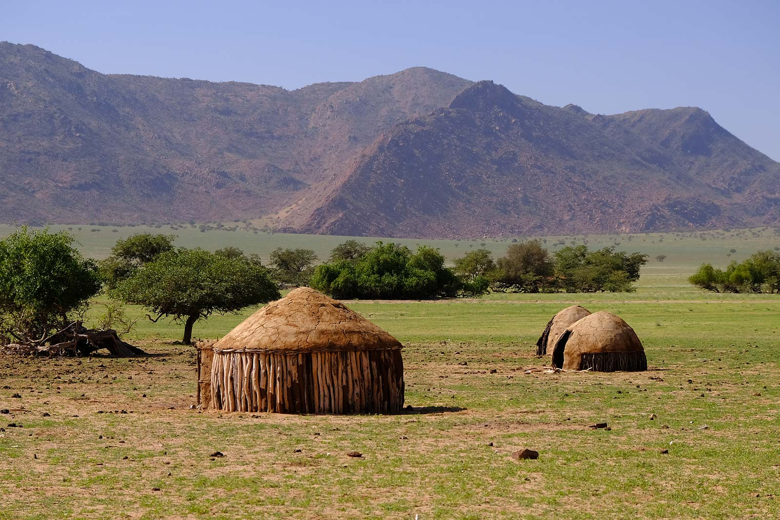Verlassene Hütten der Himba