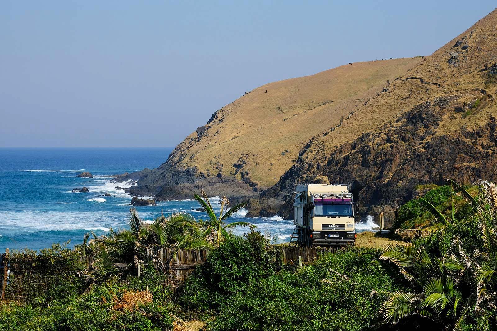 Mit unserem Truck stehen wir am White Clay an der Coffee Bay, Kwazulu Natal
